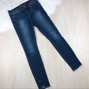Articles of Society Skinny Blue Distressed Jean 28